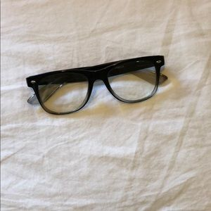 urban outfitters readers black